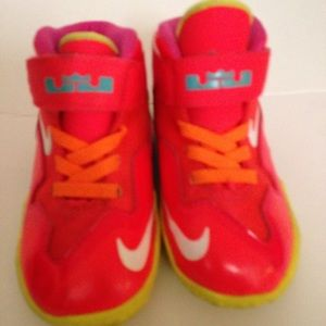 LeBron's Nike sneakers orange pink yellow size 6